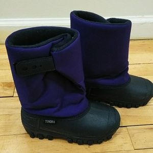 Tundra kids Purple and Black winter boots size 12